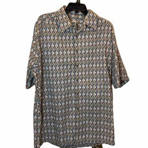 TravelSmith Casual Button Down Shirt